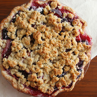 Blackberry Plum Streusel Pie (pie adapted slightly from Gourmet via epicurious; crust from Smitten Kitchen)