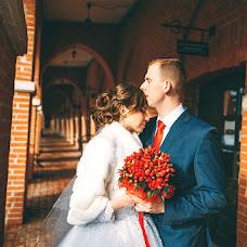 Wedding photographer Vikulya Yurchikova (vikkiyurchikova). Photo of 16.03.2017