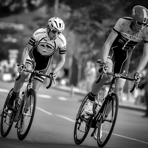 Edging to Front Position - B&W.jpg