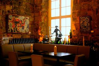 """Photo: Links das Gemälde """"Tiefes Vertrauen"""" und rechts """"Stille""""  von Doreen Wolff im Barbereich des Fischrestaurants Kastenmeiers (www.kastenmeiers.de) im Kurländer Palais"""