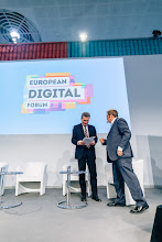 Photo: Paul Hofheinz, director of the European Digital Forum; Günther Oettinger, European commissioner for digital economy and society