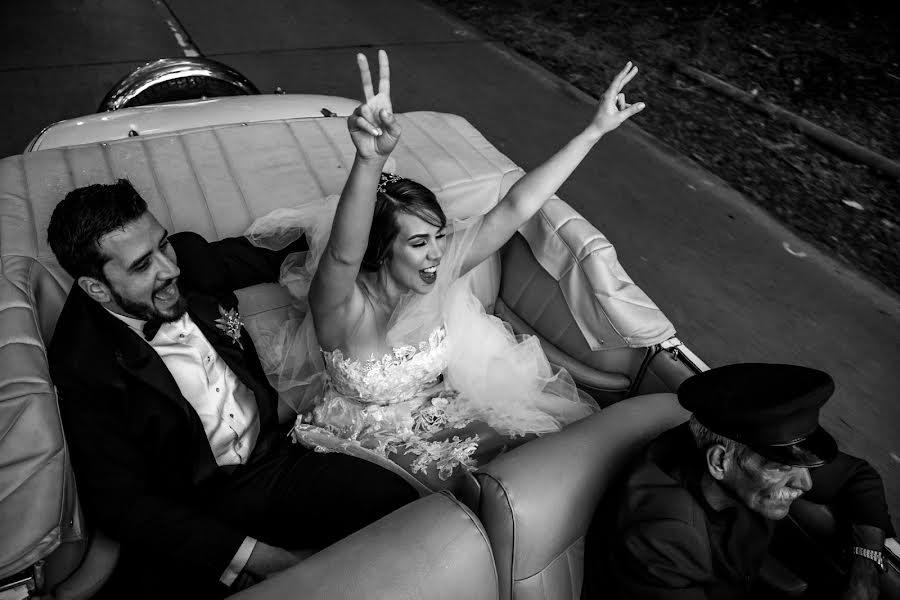 Wedding photographer Leonel Longa (leonellonga). Photo of 03.03.2020