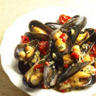 Spanish Tapas-Inspired Mussels.