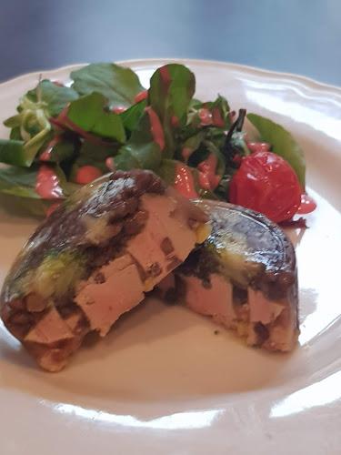 Aspics de lentilles au foie gras mi-cuit, gelée de légumes.