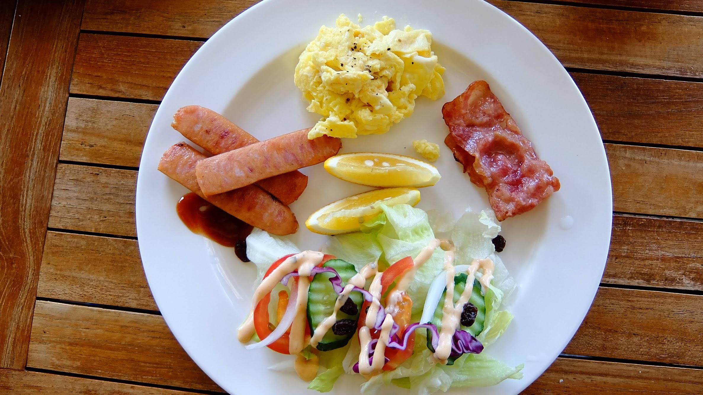 這次第二次來的早餐,有培根/火腿/蛋