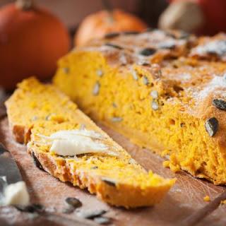 Buttery Pumpkin Spice Bread