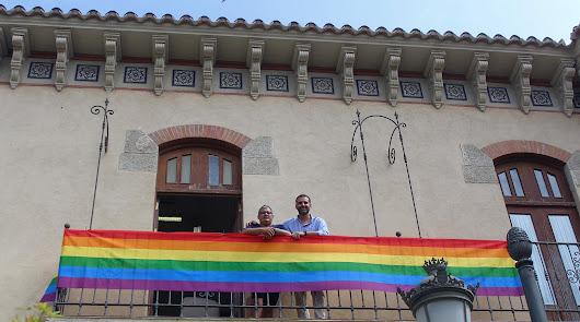 En Alcaldía ya ondea la bandera arcoíris, símbolo del orgullo LGBT