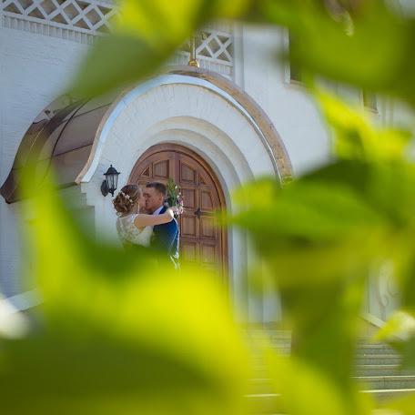 Wedding photographer Nina Pozhidaeva (Nini). Photo of 10.10.2016