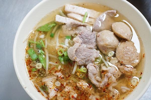 老麵攤-泰式米粉湯、泰國船麵 食尚玩家推薦的台北平價泰式料理小店|老麵攤菜單