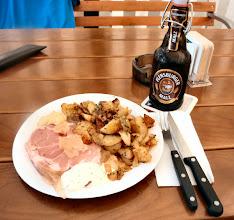 Photo: Sauerfleisch m. Bratkartoffeln, ...mmmmhh lecker am Fähranleger Breiholz/Süd