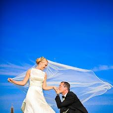 Wedding photographer Vladimir Khoffart (Waldi). Photo of 13.04.2013