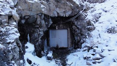 Photo: Abri( fermé) au lac de Pouchergues
