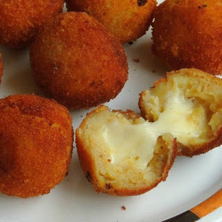 Mozzarella Stuffed Potato Balls