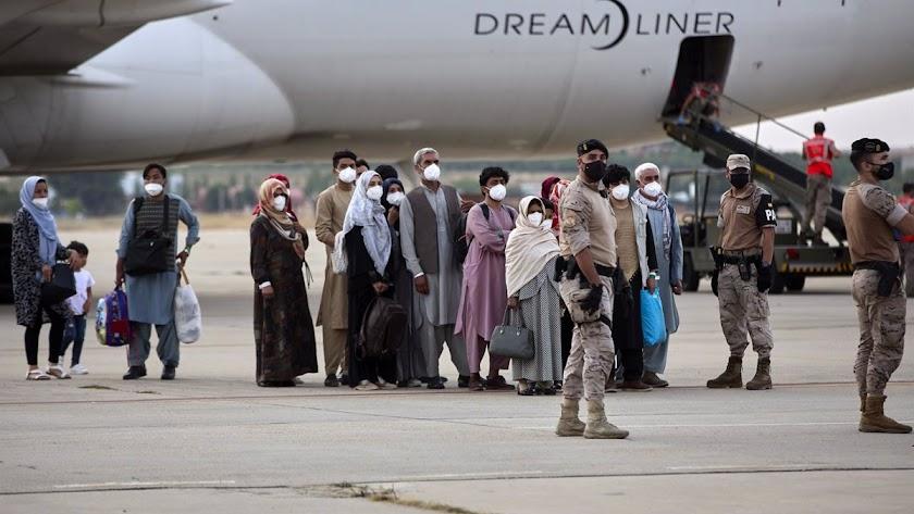 Imagen de ciudadanos afganos evacuados por el Gobierno de España.