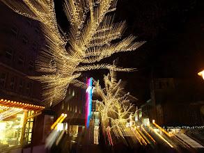 Photo: Weihnachtsmarkt - Christmas Market Essen - 02 - 4s exposure, lens zoom