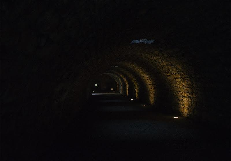 Walking through the castle walls di Sara_Monaco
