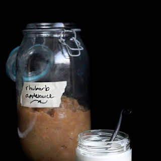 Recipe for Rhubarb Applesauce with muscovado sugar.