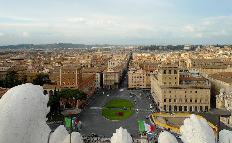 Roma, Piazza Venezia vista dal Vittoriano di GVatterioni