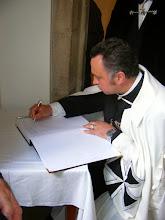 Photo: Podpis pamětní knihy...
