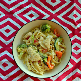 Lemon Fettuccine Alfredo with Chicken and Vegetables