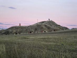 Photo: Etapa 17. Bodegues excavades a la muntanya. Moratinos.