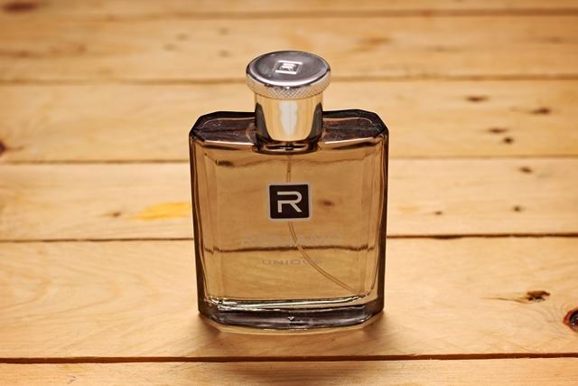 Minyak wangi Romano Enique