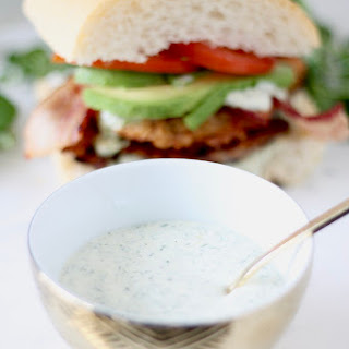 Chicken Sandwiches with Dill and Garlic Aioli