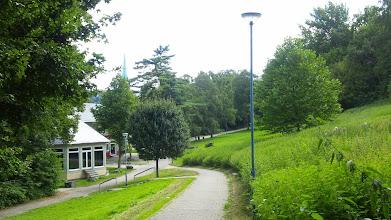 Photo: Der Buschey-Park - statt Brennesselstauden wuchs hier früher mehr Gras über die Sache.