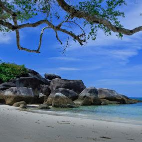 Belitong Beach by Basuki Mangkusudharma - Landscapes Beaches ( belitong, indonesia, beach )
