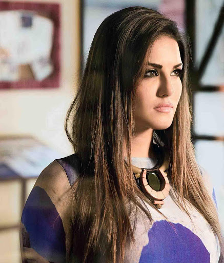 Sunny Leone Wallpapers HD cute photos 2