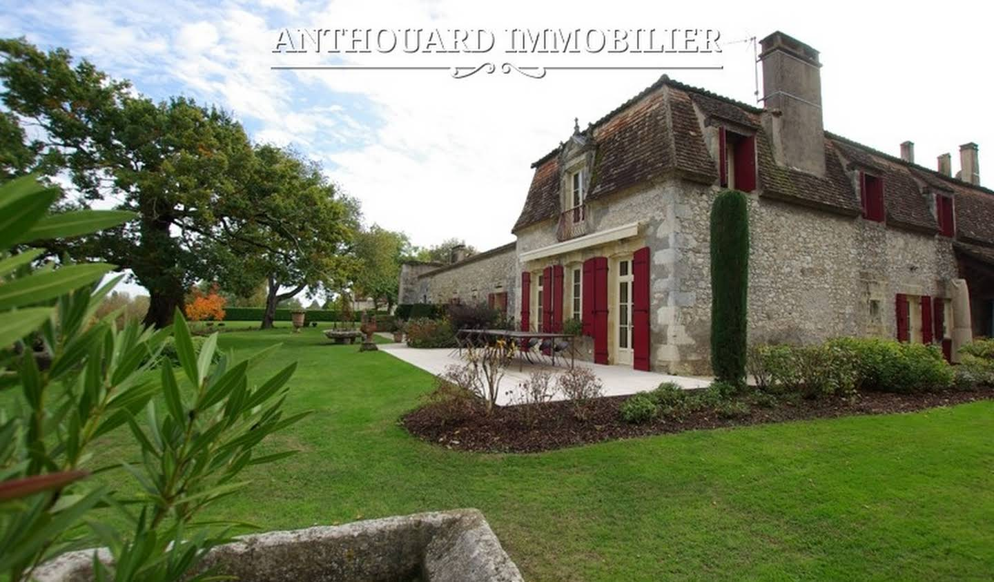 Propriété avec piscine et jardin Bergerac