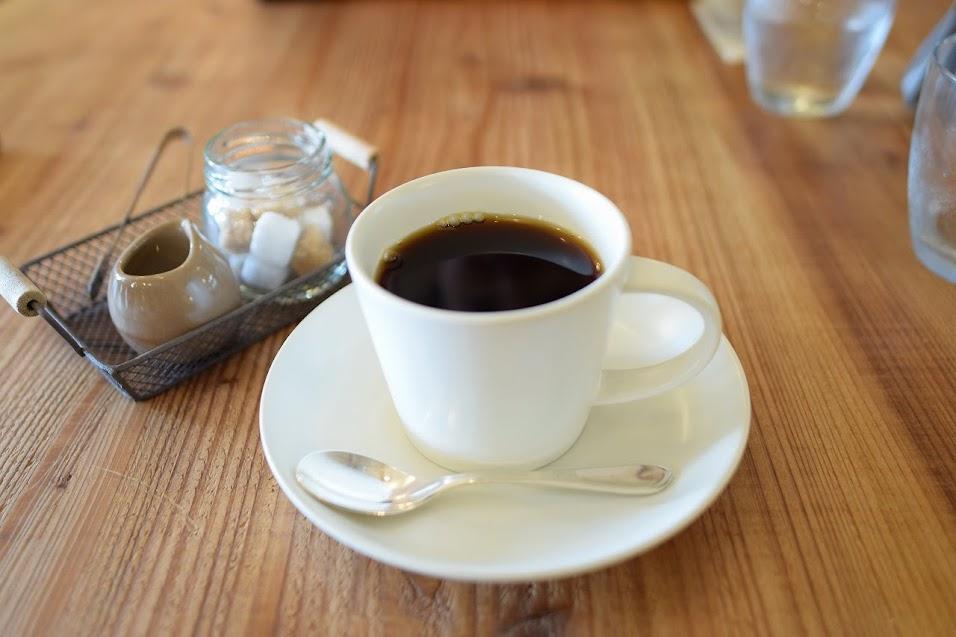 新舞子のカフェ「ネストバイザシー」のコーヒーはケディバシュカンの豆を使用
