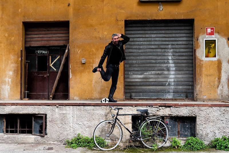 Stretching nella fabbrica abbandonata di F.O.