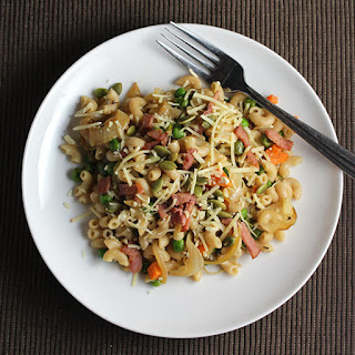 Pasta with Pancetta, Peas and Onions