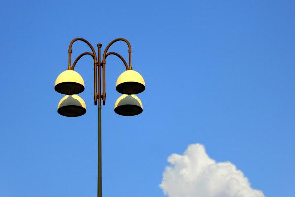 Il lampione e la nuvola di Dariagufo