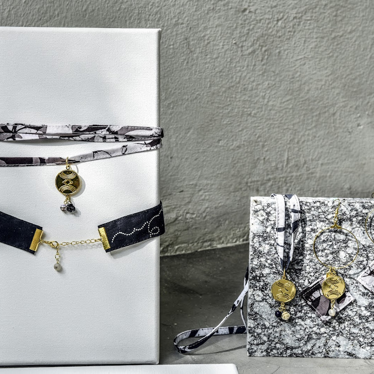 Wrap Choker / Bracelet #Porcelain