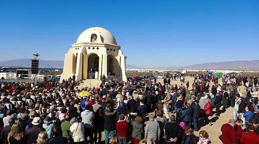 Miles de fieles acompañan hoy a la patrona a la ermita de Torregarcía