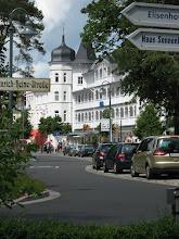 Photo: Typische Bäderstilarchitektur im Seebad BINZ/ Rügen (siehe www.freie-ferienwohnung-binz.de und www.binz-zingst-kuehlungsborn.de )