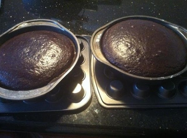 LET CAKES COOL IN PANS FOR 30 MINUTES....REMOVE N LET COOL COMPLETELY.