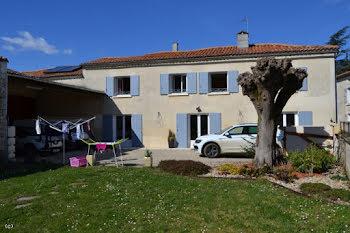 propriété à Aunac (16)