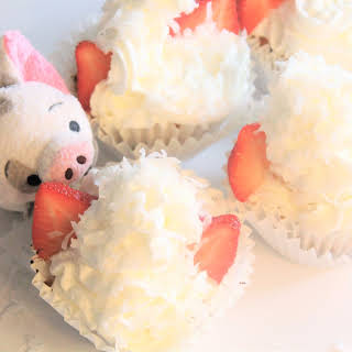 Pua Polka Dot Coconut Cupcakes.