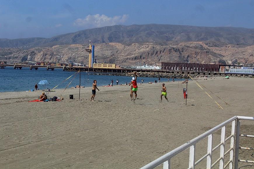 Almería, voley playa en las playas de la ciudad.