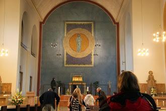 Photo: Vi var derefter i sognekirken i Eibingen, hvor relikvieskrinet var på plads igen