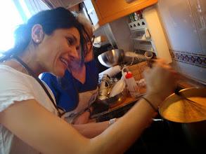 Photo: Bea, su primera crema catalana...un reto para ella. Estaban buenísimas.