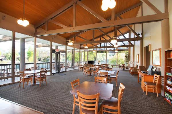 Riviera Oaks Resort and Racquet Club