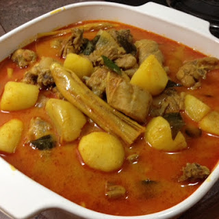 My Mother-In-Law's Yummy Chicken & Potato Curry (Malaysian Chinese Style).