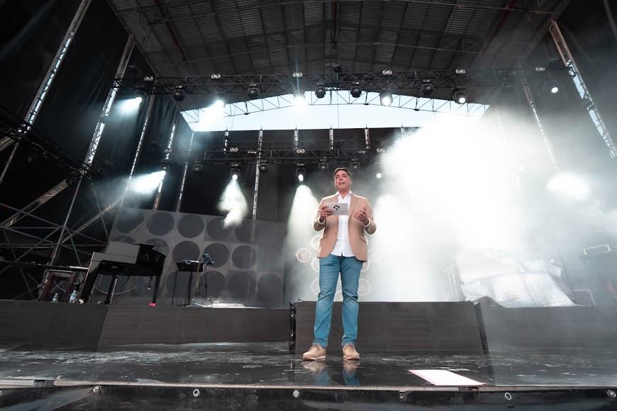 El presentador del acto fue el periodista Juan Gabriel García