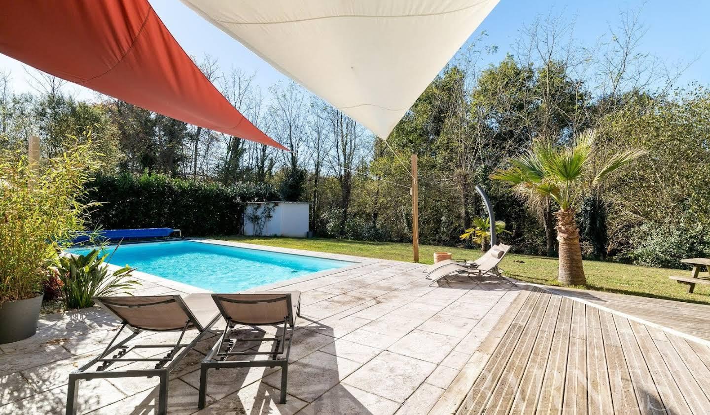 Maison avec piscine Tosse