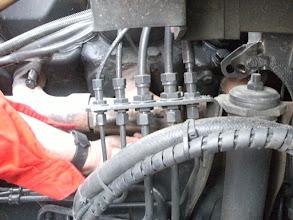 Photo: De eerste problemen met onze scania!! een gat in het uitlaatspruitstuk!