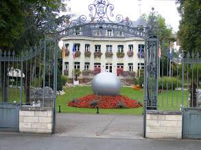Photo: Andresy has a fine looking City Hall on the riverside Boulevard Noel Marc.
